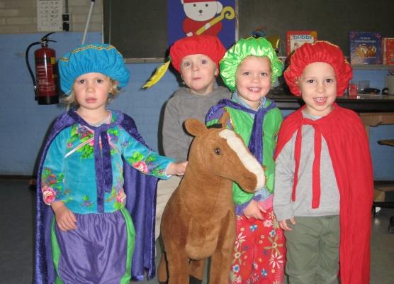 De Pietjes en Sinterklaas